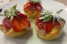 Zum Rezept Blätterteig - Erdbeeren