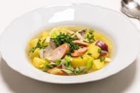 Kartoffel Lauch Suppe mit Wurst