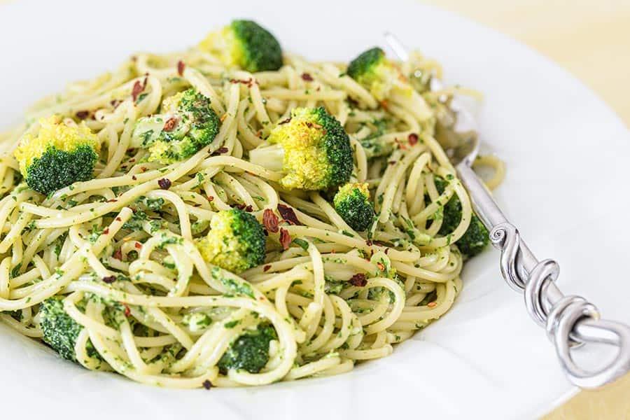 Rezept Spaghetti Brokkoli mit Gorgonzola Pesto