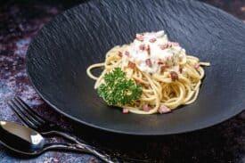 Nicht Spaghetti Carbonara mit Obers